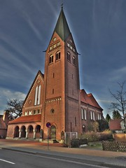P1040738Sil1 Neustädter Kirche Celle (Wallus2010) Tags: neustädterkirche celle germany hdr dri raw rw2 panasonic tz61 kirche weitwinkel architektur backsteinkirche backstein