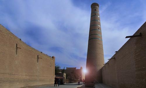 "Torres legendarias / Faros, minaretes, campanarios, rascacielos • <a style=""font-size:0.8em;"" href=""http://www.flickr.com/photos/30735181@N00/32155281680/"" target=""_blank"">View on Flickr</a>"
