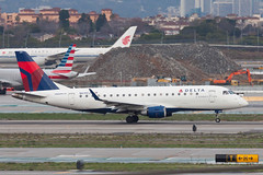 Delta Connection (Compass Airlines) Embraer ERJ-175 N619CZ (jbp274) Tags: lax klax airport airplanes cloudy deltaconnection compassairlines compass cp embraer erj175 e175