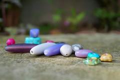 Vorbereitung (krewerkerstin) Tags: fotografie handmade natur hobby steine stein garten moos schmuckherstellen