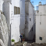 "Ostuni <a style=""margin-left:10px; font-size:0.8em;"" href=""http://www.flickr.com/photos/14315427@N00/19163765619/"" target=""_blank"">@flickr</a>"