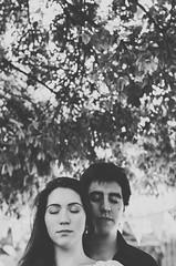 Laila y Gera (Jacqueline Lisboa) Tags: boy woman man love girl braslia vintage happy bride couple amor carinho modelo retro marx casamento asa plano casal sul dupla par burle athos quadra fiancee 308 noivos piloto bulco