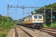 Alleppey express arrives at Cherthala (Akhil Sanjeev) Tags: locomotive indianrailways wap7 electric rpm royapuram alappuzha alleppey railfanning rail railroad outdoor vehicle train trainspotting green