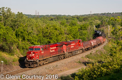 CPR ES44AC 8868 approaching Hamilton (Glenn Courtney) Tags: 8868 cp cpr hamiltonwest on ontario bayview burlington canadianpacific hamilton hamiltonsub railroad railway train