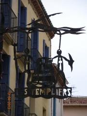 ** Collioure... la magnifique...** - 49 (Impatience_1(très peu présente)) Tags: collioure languedocroussillonmidipyrénées pyrénéesorientales côtevermeille france impatience architecture hôtellestempliers hôtel hotel enseigne sign eu supershot coth c abigfave roussillon ruby3 ruby10