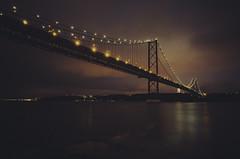 bron (Rain...) Tags: bron broen puente bridge light sky nocturna noche night nocturne lisbon portugal