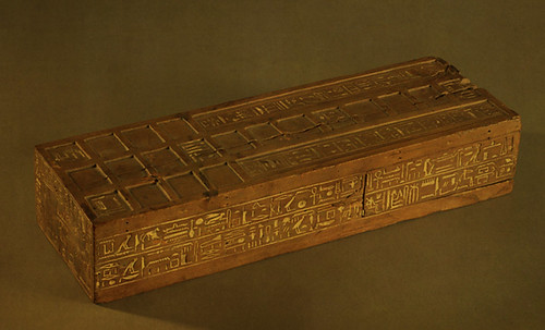 "Senet - Lujoso sistema de objetos lúdicos obsequio del dios Toht a la faraona Nefertari • <a style=""font-size:0.8em;"" href=""http://www.flickr.com/photos/30735181@N00/32369503712/"" target=""_blank"">View on Flickr</a>"