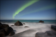 N o r w a y (jeanny mueller) Tags: norway norge norwegen lofoten arctic winter sea waves northernlights aurora auroraborealis night stars landscape seascape