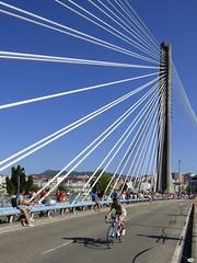 Sola por los tirantes (juantiagues) Tags: puente ciclismo sprint pontevedra triatlon tirantes juanmejuto juantiagues