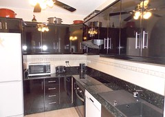 kitchen-installation-8-kitchens-Emilio