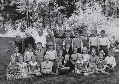 Norra ngby Folkskola, klass 1d, vrterminen 1938 (Olle Sundh) Tags: stockholm norra skola klass bromma svv skolfoto ngby folkskola skolbarn vultejusvgen