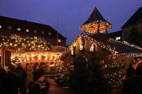 "Kieler Weihnachtsdorf (33) • <a style=""font-size:0.8em;"" href=""http://www.flickr.com/photos/69570948@N04/31017240733/"" target=""_blank"">View on Flickr</a>"