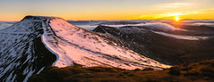 Pen y Fan (snazbaz) Tags: wales pen y fan brecon beacons sunrise snow mountain hill dawn red pano panorama