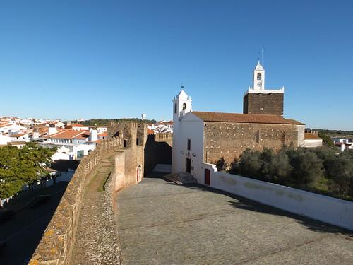 Castillo - Torre e iglesia 3