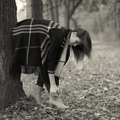 * (Henrik ohne d) Tags: eos5dmk2 ef85mmf18 october2016 portrait lisa fall autumn corded