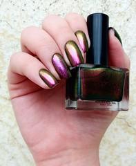 Aurora Autral - Whatcha (Fer Valquiria) Tags: whatcha multichrome ilnp auroraaustral kaleidoscope glitter unhas esmaltes nails nailpolish nailart polish polishnails