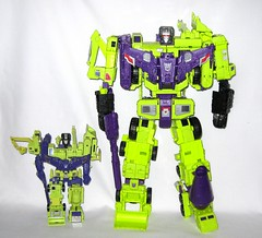 devastator transformers generation 1 series 2 1985 and  generations combiners wars titan class devastator hasbro 2015 (tjparkside) Tags: 2 two june truck one 1 solar construction energy long transformer crane g chest transport rifle cement wing mixer dump wave australia super class steam mining beam card transformers weapon pistol laser cw g1 series wars surgical 25th shovel hook generations piece titan 1985 salvage generation engineer bulldozer materials weapons collector scavenger magna hasbro haul mixmaster decepticon scrapper included decepticons fabrication gestalt combiners demolitions 2015 devastator payloader combining constructicons bonecrusher combiner constructicon