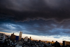 Tokyo Twilight - 板橋界隈 (VesperTokyo) Tags: sun japan tokyo evening twilight dusk 夕日 夕暮れ 夕方 日暮れ 雨上がり 暗雲 前線 層雲