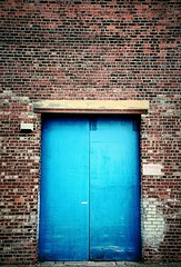 Doors so blue ! (CJS*64) Tags: blue two colour nikon salfordquays nikkor salford cjs nikkorlens bluedoors elevatorroad 18mm105mmlens craigsunter cjs64