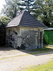 Mlheim, Netzstation (RainerV) Tags: germany geotagged 300 bauwerk gebude deu nordrheinwestfalen 1508 mlheimanderruhr heisen netzstation nikonp7800 rainerv geo:lat=5142988476 geo:lon=692771271