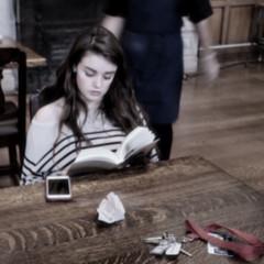 Student / Étudiante (H - - J) Tags: student girl cellphone smartphone security keys brown