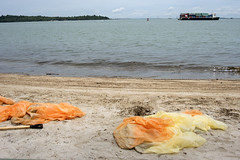 Oil spill in the Johor Strait (5 Jan 2017) from Changi Point, Carpark 1 (wildsingapore) Tags: changi carpark1 threats oil spill pollution landscape shore singapore marine intertidal seashore marinelife