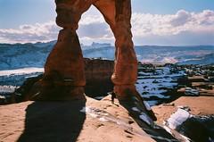 B1_38 (Yung Analog) Tags: leica m3 voigtlander ektar 100 arches national park delicate arch landscape moab utah kodak