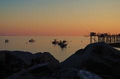 Couché de Soleil Aytré (mailyse.bellanger) Tags: coucher soleil sunset plage beach aytré douceur softness couleurs colors carrelet bateau boat mer sea rocher rock charentemaritime