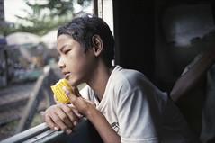 The story of sweet corn (TAHUSA) Tags: myanmar yangon film leica camera m2 manual portrait colour negative 35mm f2 352 35 2 summicron 8ele v1 8elements version1 streetsnaps documentary thewayisee tahusa fuji fujifilm superia premium 400 iso400 epson v700 selfscan
