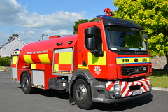 Tipperary Fire & Rescue Service 2011 Volvo FLH290 Sidhean Teo WrC 11TS1681 (Shane Casey CK25) Tags: tipperary fire rescue service 2011 volvo flh290 sidhean teo wrc 11ts1681 water carrier tanker bulk appliance tender emergency red truck lorry blue bluelights lights flashing siren sirens engine brigade society fbs station man men officer fighter firebrigade fireengine fireman firemen firefighter firestation firebrigadesociety tango sierra ts lightbar cahir