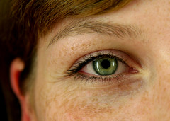 bigi eye (frischmilch) Tags: iris light portrait woman detail macro reflection eye view greeneyes freckles reflexion bigi antwerpes sommersprossen