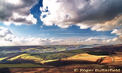 Hope Valley from Stanage (Roger B.) Tags: topf25 peakdistrict darkpeak peakdistrictnationalpark spectacularlandscape 500pxwatermarked