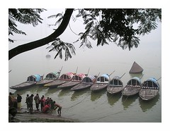 boats on the river @kolkata (arnabchat) Tags: morning india cold water river boat bath favs kolkata bengal calcutta hooghly ghaat arnabs lpwater arnabchat arnabchatterjee