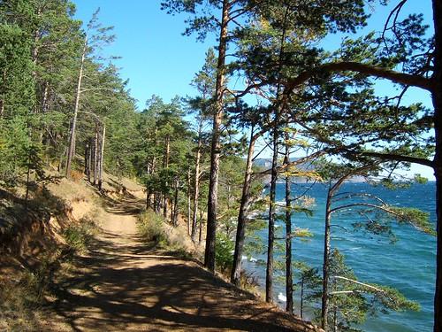 Lake Baikal por Rapsak.