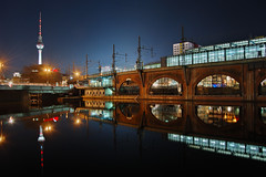 S-Bahnhof Jannowitzbrcke (Dietrich Bojko Photographie) Tags: longexposure 15fav berlin topf25 tag3 taggedout night 510fav germany geotagged perfect tag2 tag1 searchthebest webinteger quality top20nightshots nikond50 dri jannowitzbrcke 1000v40f 7exposures score435 geolat5251365 geolon134188