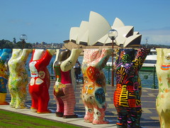 If They Try Hard Enough, They Just Might Get it off the Ground; Or, Atlas Bear is a Dinstant Relative of Yogi's (Edward Hoover) Tags: unicef harbour sydney australia circularquay nsw newsouthwales operahouse buddybears jrnutzon utzon jrn auspctagged
