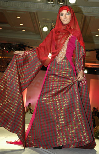 Muslim Fashion Gallery 2009 with Red Texture