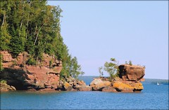 Apostle Islands - Lake Superior - Wisconsin (Luiz Felipe Castro) Tags: copyright usa wisconsin photographer greatlakes wi lakesuperior apostleislands reservado patriciaschultz 1000placestoseebeforeyoudie luizcastro luizfelipecastro luizfelipedasilvadecastro lagosuperior grandeslagos ashlandcounty