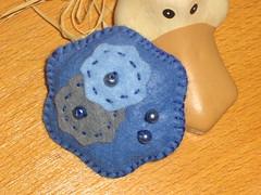 Ref.166 Pregadeira feltro azul