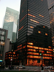 Seagram Building (Jim Lambert) Tags: 2005 nyc newyorkcity usa ny newyork building architecture skyscraper buildings us autumn2005 skyscrapers unitedstates manhattan fall2005 parkave december2005 uppereastside seagrambuilding 599lexington 12172005 17december2005 december172005