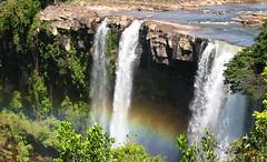 Kama-Meru (COMALA) Tags: travel mountains water topv111 arcoiris outdoors landscapes waterfall rainbow reisen wasserfall venezuela explore viajes catarata regenbogen comala 800v lagransabana frhwofavs i500203dec262005