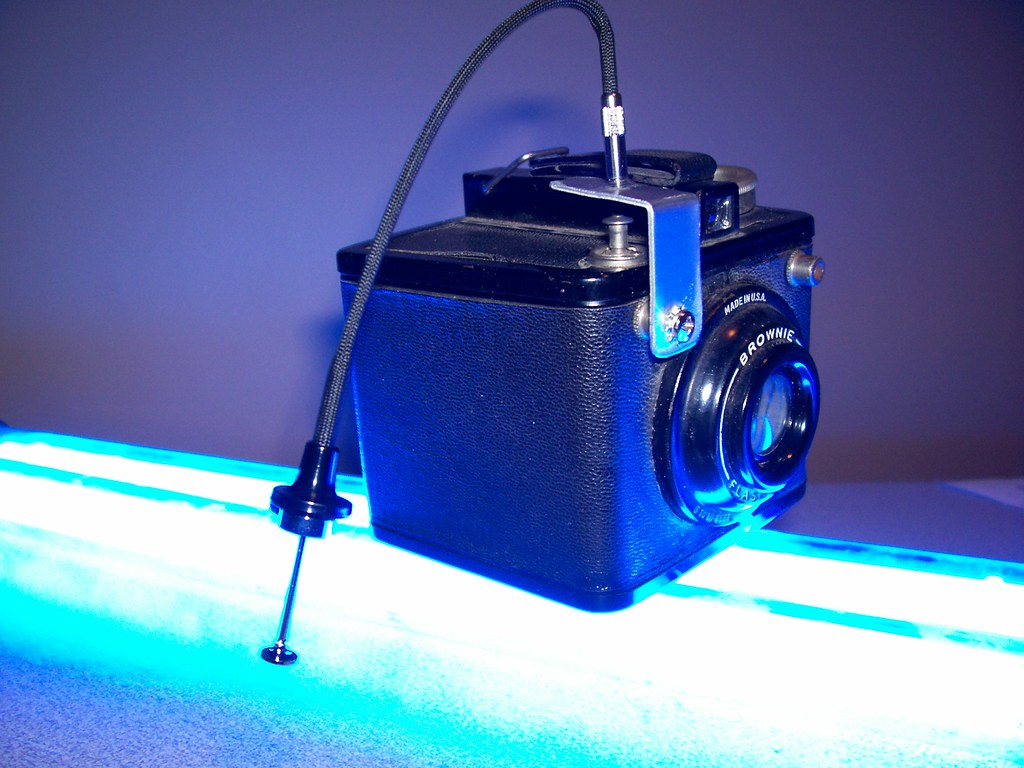 Brownie Flash Six-20, shutter release cable modification