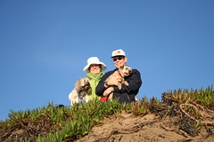 Mom and Dad atop a dune (Benjamin Ahr Harrison) Tags: fortfunston sanfrancisco