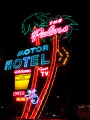 The Palms Motor Hotel (Curtis Gregory Perry) Tags: old light usa signs west color colour classic luz glass sign electric night america vintage palms portland hotel licht us inn colorful neon pretty glow unitedstates state northwest bright lumire or lodging tube tubes motel ne retro gas beaver chain american signage western electricity pacificnorthwest americans glowing instructions colourful dying electrical vacancy ore suites luce instruction muestra placard important advisory accomodation signe sinal neons accomodations motorinn oregonian  zeichen non segno  rosecity cityofroses  motorlodge motorcourt   teken  motorhotel  portlander  beaverstate  glowed    neonic