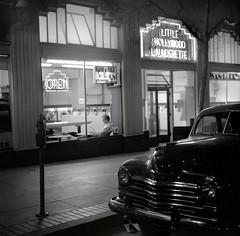 Market Street, San Francisco (Dave Glass . foto) Tags: sanfrancisco dry wash laundry artdeco marketstreet laundromat launderette rolleicord sfchronicle96hrs littlehollywoodlaunderette