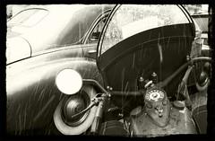 (Bernard Schul) Tags: soldier army us war belgium noiretblanc military wwii ardennes nuts battle souvenir tribute airborne reenactment reenactors bulge commemoration battleofthebulge bastogne wachtamrhein batailledesardennes offensivevonrundstedt batailledusaillant rencontresphotographiquesdartlon2010 bernardschul reenactmentunprsentautempspass danasjesmosutranijesmo