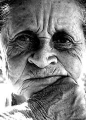 A curva e o tempo [Time and Curves] (Frederico Melo) Tags: old light portrait bw luz lady ancient retrato pb velha shade tempo sombras senhora rugas curva expresso nikonstunninggallery