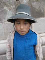 Child of Cuzco (quinet) Tags: portrait peru girl cuzco child cusco andes sombrero перуанцы