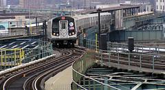 Línea L circulando por Brooklyn