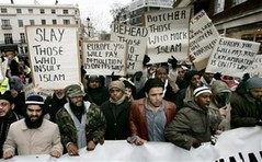 British Muslims threaten to behead, butcher, s...